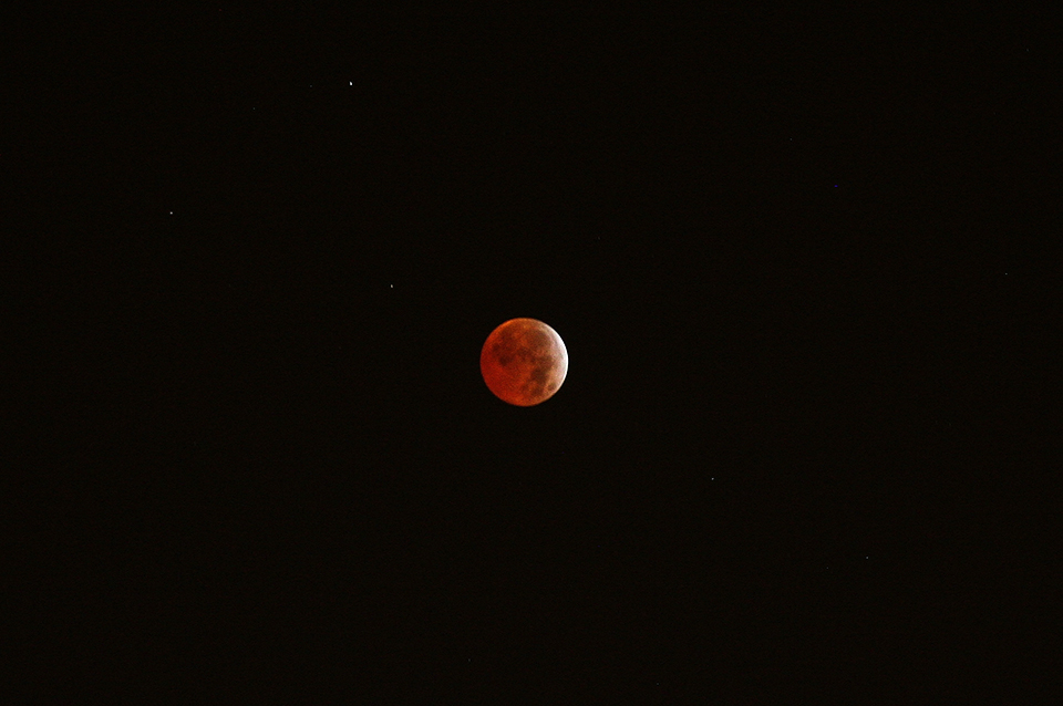 8.Moon-at-Eclipse-totality