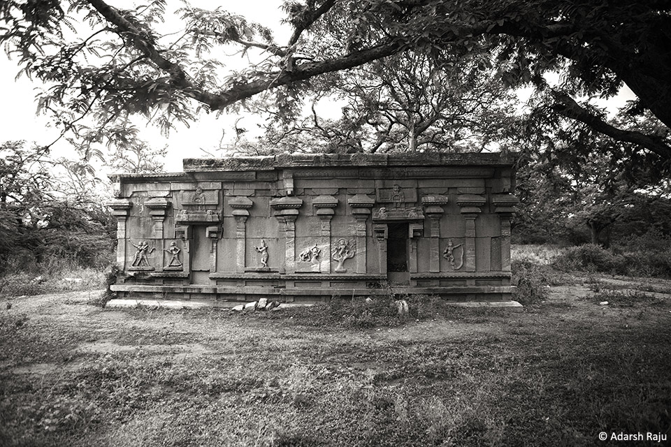 6.temple_ruins3_BW