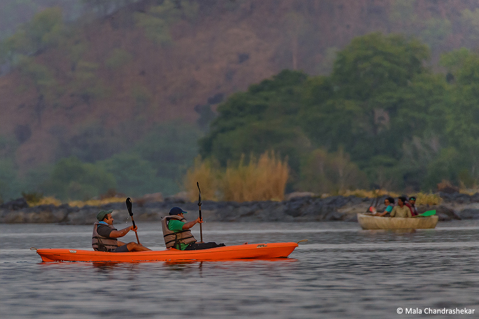 Kayaking and coracle rides at the Bheemeshwari camp